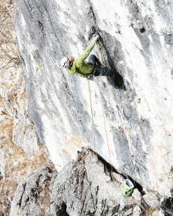 Keita Kurakami climbing rope-solo and ground up the 8c+ sports climb Mare at Mt. Futago in Japan. This is likely to be the most difficult rope-solo ever of a single pitch sports climb.