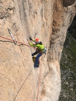 Nina Caprez replacing old bolts on Mingus, the historic climb in the Gorges du Verdon in France