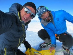 Karl Egloff and Nicolas Miranda on the summit of Denali of 20/06/2019. Egloff raced to the top of the highest mountain in North America in just 7:40