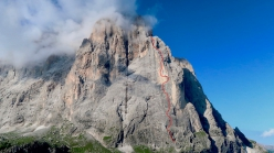 The line of Parole Sante up the north face of Langkofel in the Dolomites (Aaron Moroder, Titus Prinoth, Matteo Vinatzer 1050m, VIII/A1)