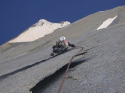 Slovenian pataGOnia 2005 expedition: Silvo Karo on the Italian route on Ag. Poincenot (3002m).