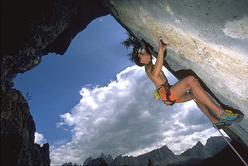 Momenti di arrampicata in Cinque Torri