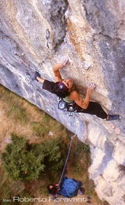 Josune Bereciartu climbing Noia.