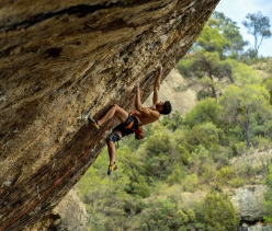 Buster Martin sale First Ley 9a+ a Margalef in Spagna