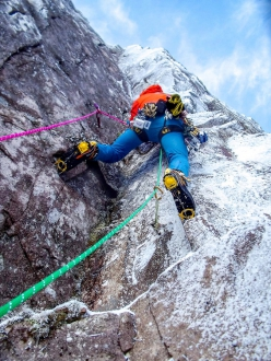 Greg Boswell and Guy Robertson making the first ascent of Local Hero at An Teallach in Scotland, in memory of Martin Moran