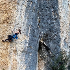 Laura Rogora onsighting the 8b+ L-mens at Montsant in Spain, January 2019