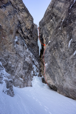 The route line of Happy New Year in the Langental, Dolomites (Daniel Ladurner, Johannes Lemayer 31/12/2019)