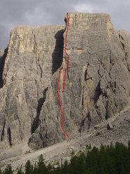 The line of Gente di Mare, Lastoni di Formin, Croda da Lago, Dolomites.