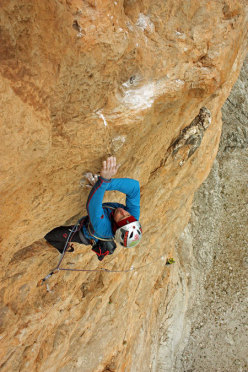 Luca Giupponi on the sixth pitch of Red, Moon and Star