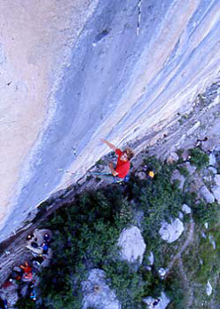 Chris Sharma su Biographie a Ceuse, Francia, nel 2001