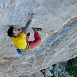 Klaas Willems libera Tales of the rocking lizard 8c a Ulassai in Sardinia, la sua casa prediletta