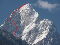 Mt Edgar (6618m), Cina e la linea della via The Rose of No-Man's Land (M6, WI5, Kyle Dempster e Bruce Normand novembre 2010)