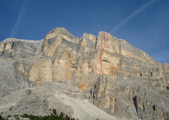 the route line of Quo Vadis, Sass dla Crusc, Dolomites