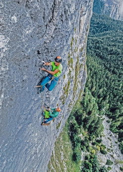 Fine di un'Epoca at Cima Cee in the Brenta Dolomites: Rolando Larcher climbing pitch 6