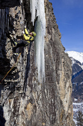 Dripping Elegance (M10/WI5+ 110m) in the Ötztal in Austria