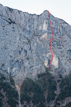 The line of Wolke 7, Hinteres Feuerhorn, Germany, first ascended by Luka Lindič and Ines Papert