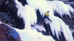 Andrea climbing Carpe Diem - Tupac Amaru