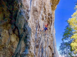 Laura Giunta in arrampicata in Valle del Sarca