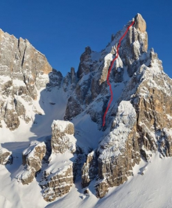 Elements of Life on the north face of Cimon della Pala, Pale di San Martino, Dolomites, climbed on 01/04/2021 by Emanuele Andreozzi and Matteo Faletti. The photo does not depict current conditions.