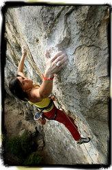 Barbara Raudner climbing