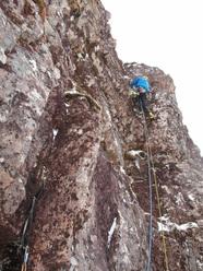 Il 14/03/2011 gli alpinisti brittanici Nick Bullock, Pete Benson e Guy Robertson hanno aperto Godzilla IX, 8 sul Beinn Bhàn, Scozia.