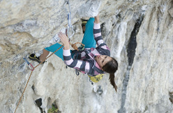 Eva Scroccaro repeating Giljotina 8a at Misja Pec, Slovenia