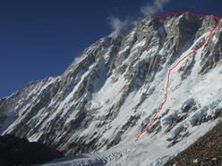 The route chosen by Ueli Steck up Shisha Pangma