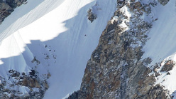 17/04/2011: Ueli Steck and the speed ascent up Shisha Pangma (8027m), Tibet