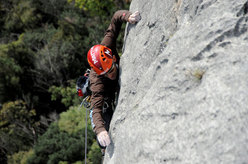 Nicola Tondini on pitch 3 of Testa o Croce (8b max, 7c obl.), Monte Cimo - Val d'Adige