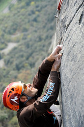 Nicola Tondini on pitch 4 of Testa o Croce (8b max, 7c obl.), Monte Cimo - Val d'Adige