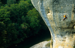 Liv Sansoz climbing at the Gorges du Tarn, France
