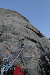 Tiro 13 di Dance on Tiptoes (1210m, VII A2, 6c).