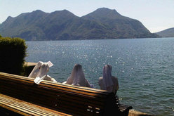 In riva al Lago Maggiore e alle sue montagne