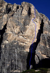 Never give up (VIII+/IX-, 500m) Tofana di Rozes, Dolomites