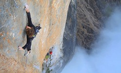 Orbayu Naranjo de Bulnes: first repeat by Nico Favresse and Adam Pustelnik
