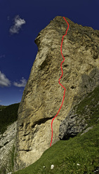 Das Privilig (9-, 300m) Piz Ciavazes, Sella, Dolomites.