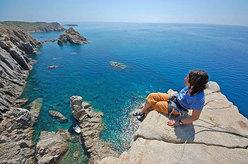 Trad climbing at Capo Pecora, Sardinia