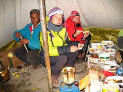 Colazione al campo alto a 4000 m con pane turco e nutella