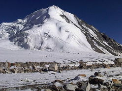 On 22/08/2011 a Spanish expedition led by Jonas Cruces carried out the first ascent of Junai Kangri (6017m) in Karakorum, India via their