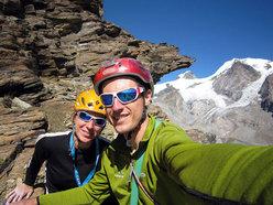 Matteo Giglio e Alessandra GianattiAutoscatto al termine della via Granatina alla Rocca di Verra