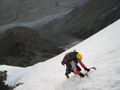Alpinismo: Vetta del Kahn-Tengri (7010m) per Luca Vuerich