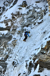 Patrick Aufdenblatten and Michi Lerjen-Demjen climbing the Via Bonatti up the North Face of the Matterhorn on 27/09/2011