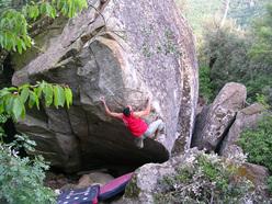 Bouldering at Pietra del Toro, Campomaggiore
