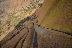 The fabulous 5th pitch of Hungarob Combination, new multi-pitch on the Brandberg, Namibia.