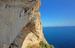 Luca Giupponi on the third, crux pitch.