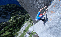 James Pearson repeating Joy Division (800m, 8b ) on Qualido, Val di Mello