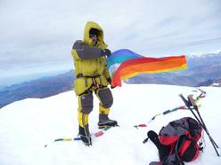 Sergio Zigliotto sulla vetta del Putha Hiunchuli a 7246m.