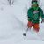 Tommi tra gli spruzzi di neve fresca