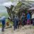 Melloblocco 2015: day 2 la gente scala sotto la pioggia