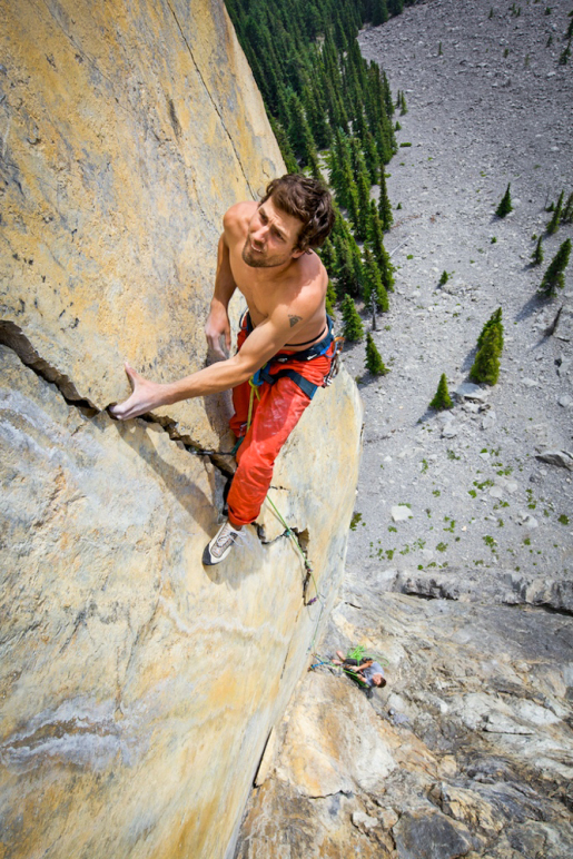Sonnie Trotter discovers 1975, a new free climb in the Canadian Rockies